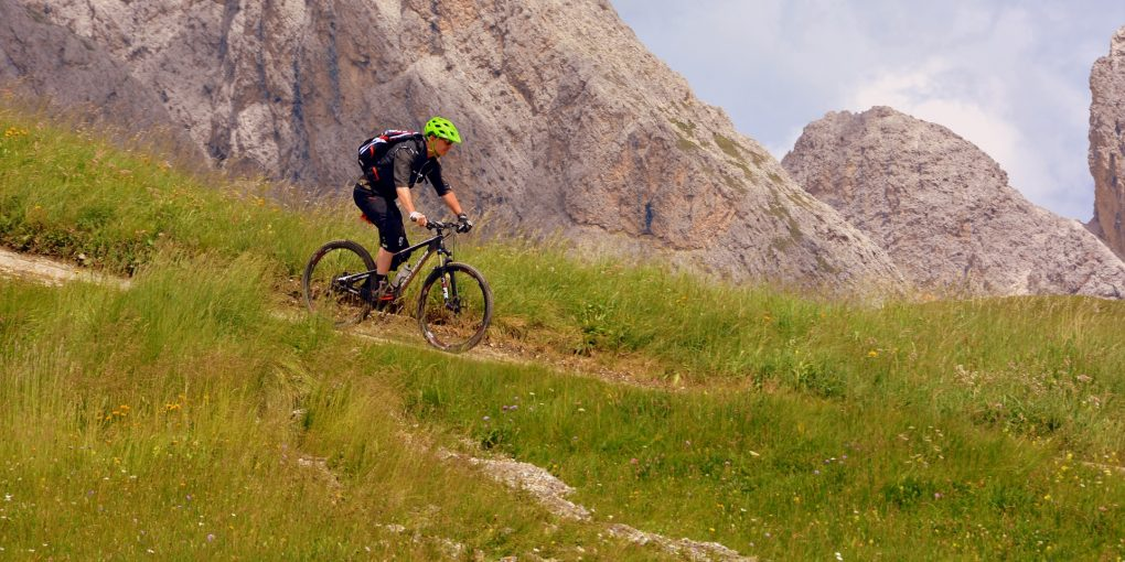 Must Have Mountain Bike Accessories | Mountain Bicycle Lab