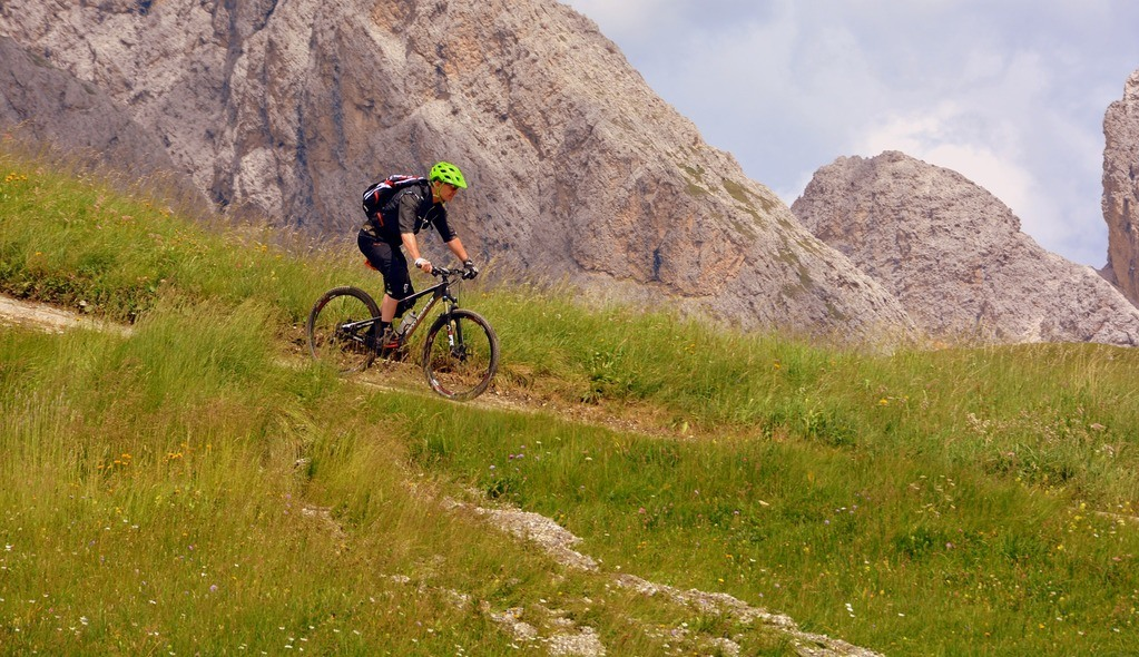 Must Have Mountain Bike Accessories