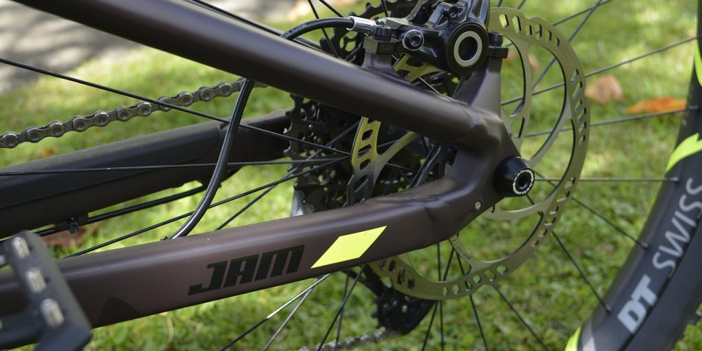 Should I Buy a Mountain Bike With Disc Brakes or Rim Brakes? | MTB Lab