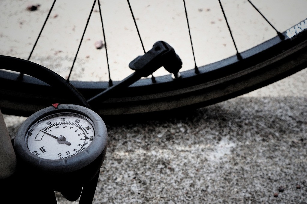 Best Mountain Bike Pumps Review with Buying Guide