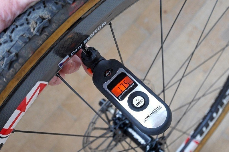936d9c8649f 10 Best Tire Pressure Gauges of 2018 For Biking with Buying Guide ...